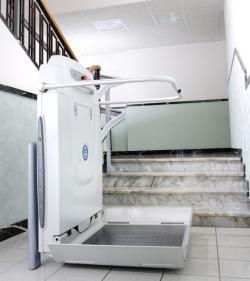 Cama Treppenlift treppenlifte schritt für schritt ohne tritt